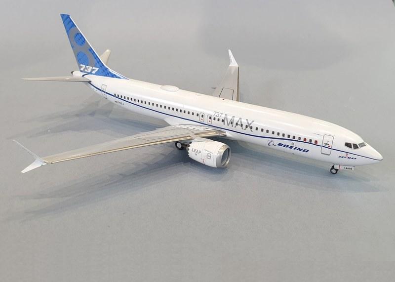 Boeing 737-8 MAX, Zvezda 1/144